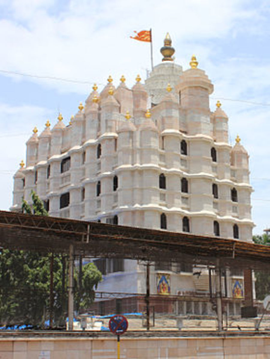 Siddhi Vinayaka Temple, Mumbai.  The visitors here include Ministers and Bollywood Film Stars