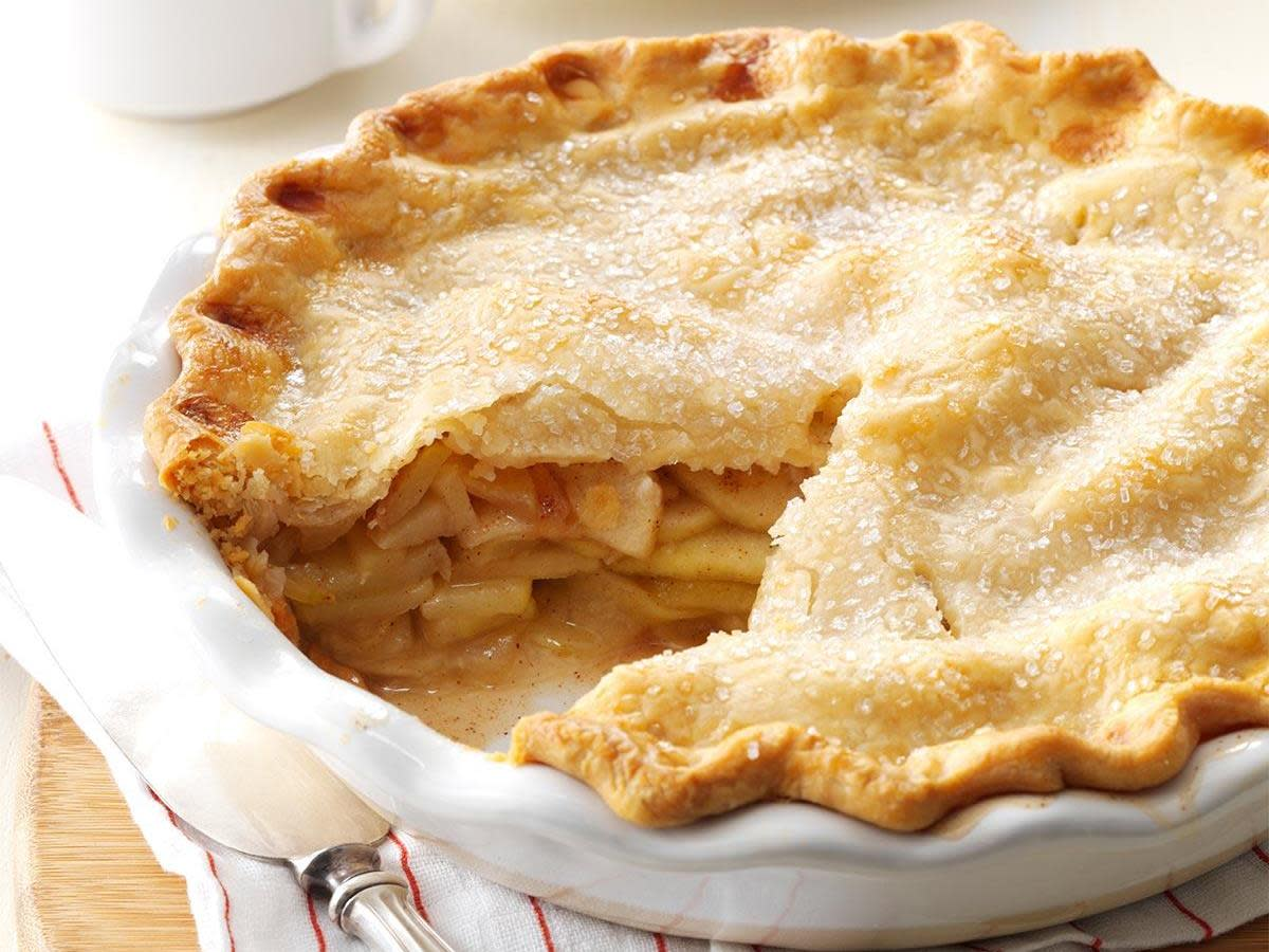 In 1958, apple pie was a real crowd-pleaser.