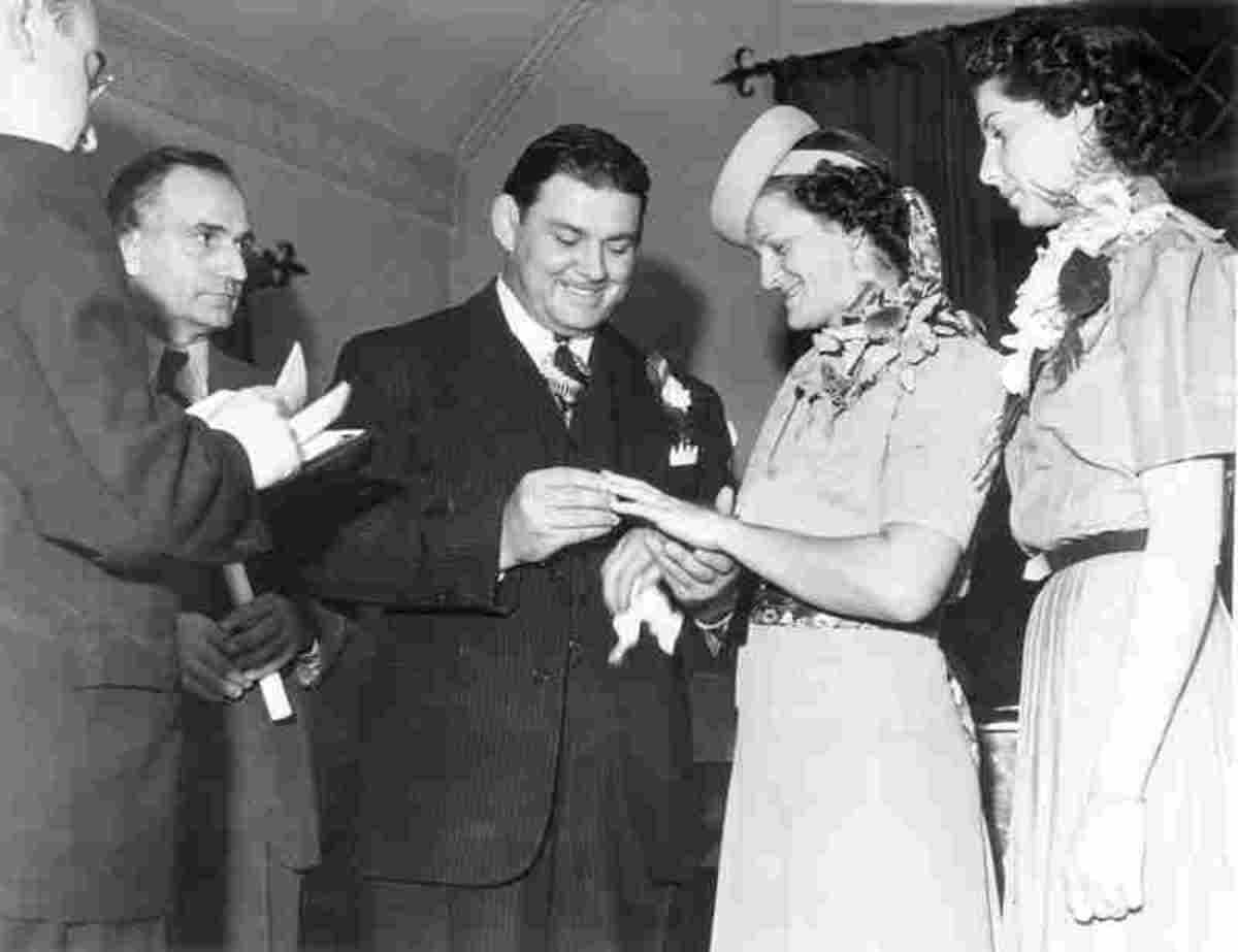 Babe Didrikson marrying George Zaharias