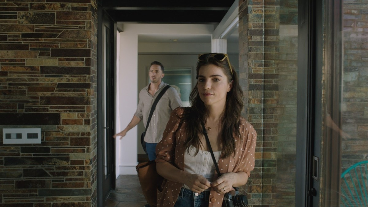 trespassers-2018-movie-summary-and-review