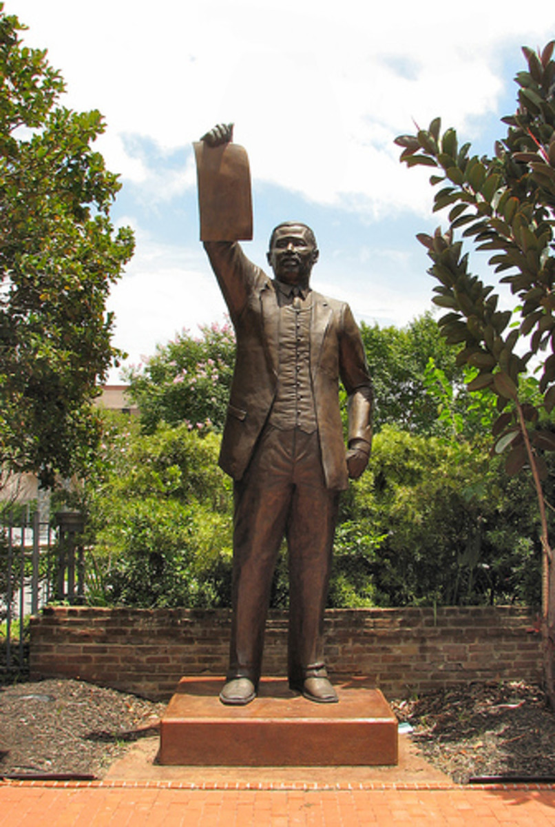 Al Edwards served Houston's 146th District in the Texas House of Representatives for over 30 years. This statue depicts Edwards holding up a copy of the Texas Juneteenth law.