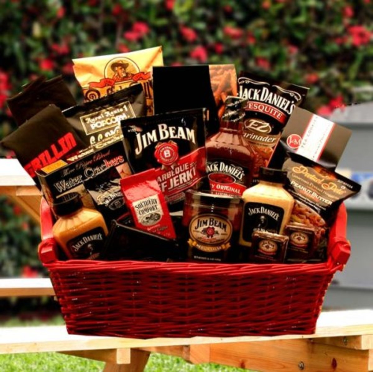 Gift baskets for men make great Valentine's gifts for him!