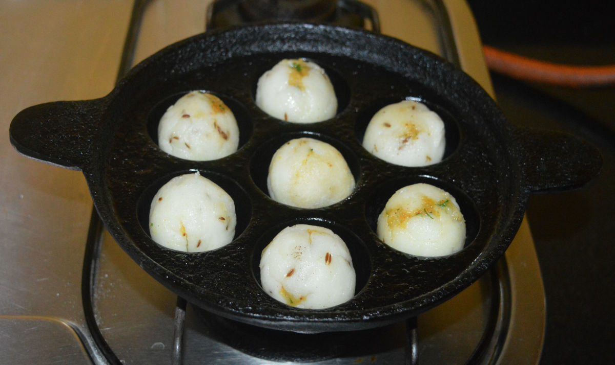 spicy-stuffed-rice-balls-recipe
