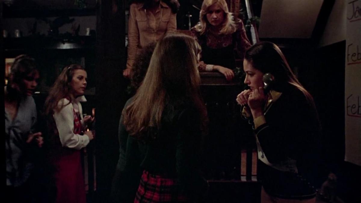 black-christmas-1974-movie-summary-review