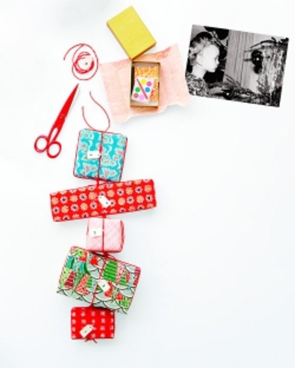 Advent Calendar Ideas DIY Gift Chain