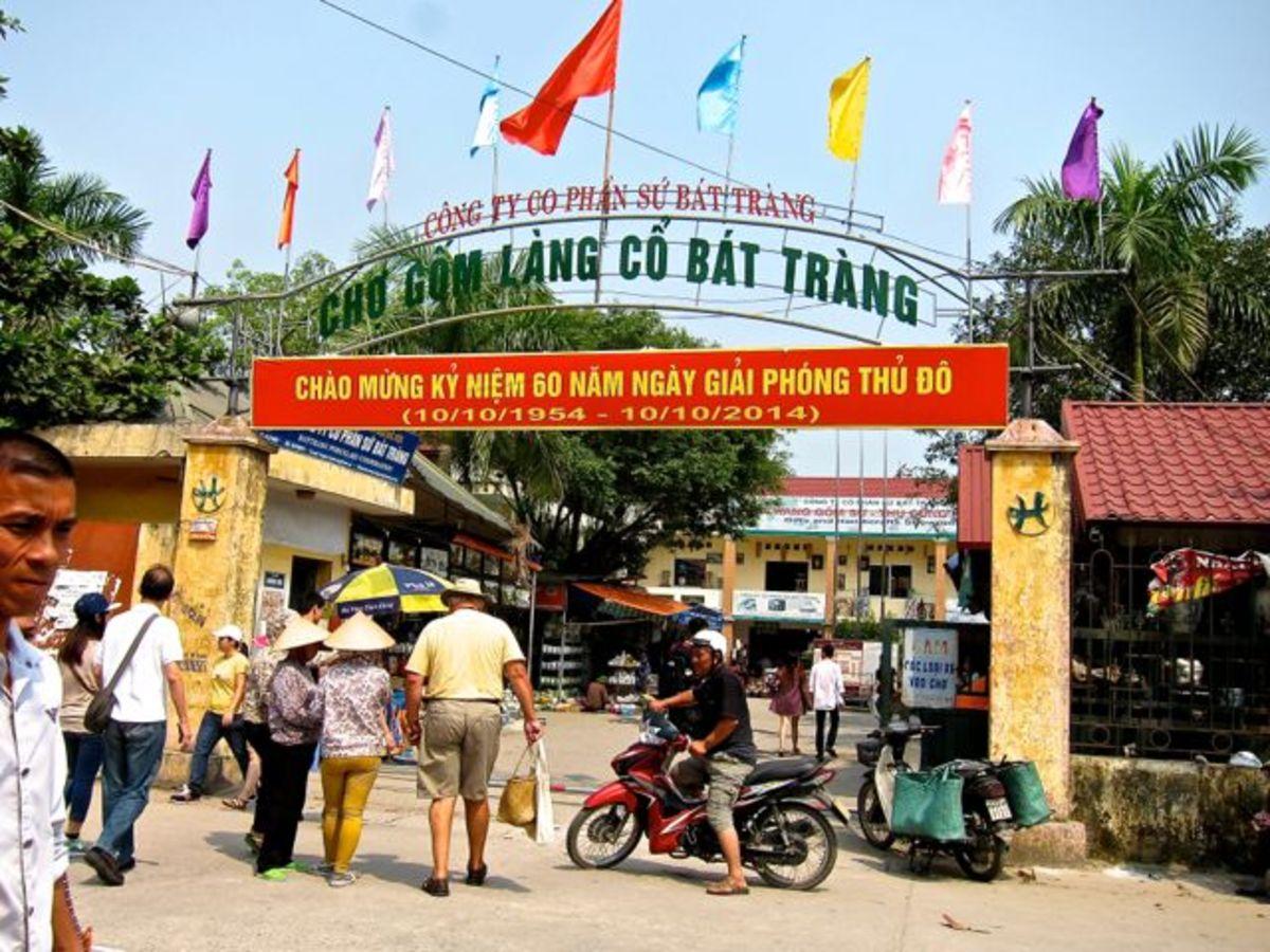 Pottery Market in Bat Trang