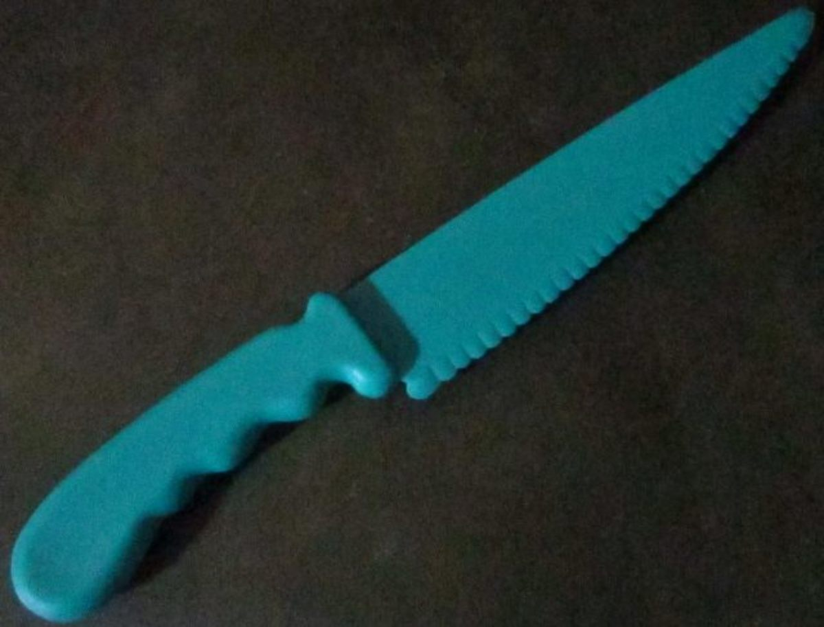 This is the same type of lettuce knife my mom used when I was a child. I picked this one up at a garage sale. I love it!