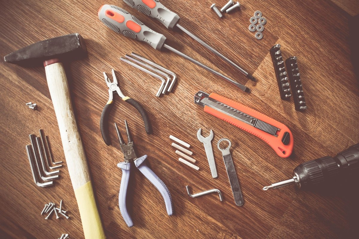 pros-and-cons-of-starting-a-handyman-business