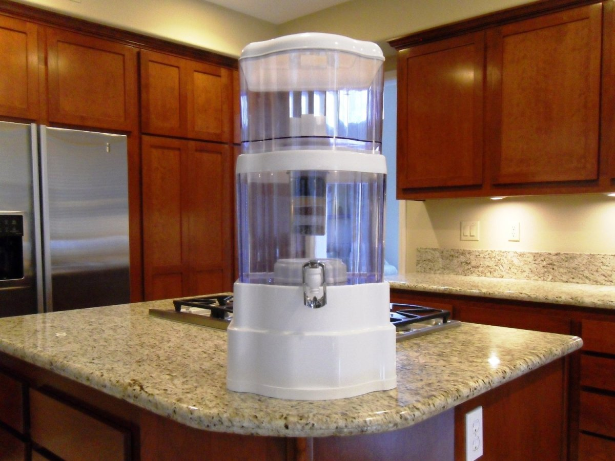 water dispenser on top of countertop