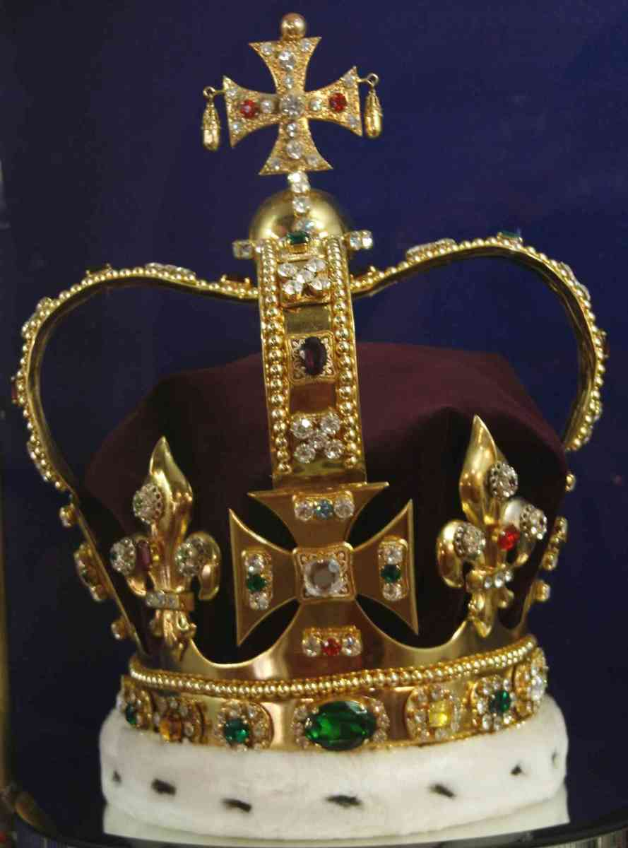 The English Crown  (St Edwards Crown) features 444 precious stones