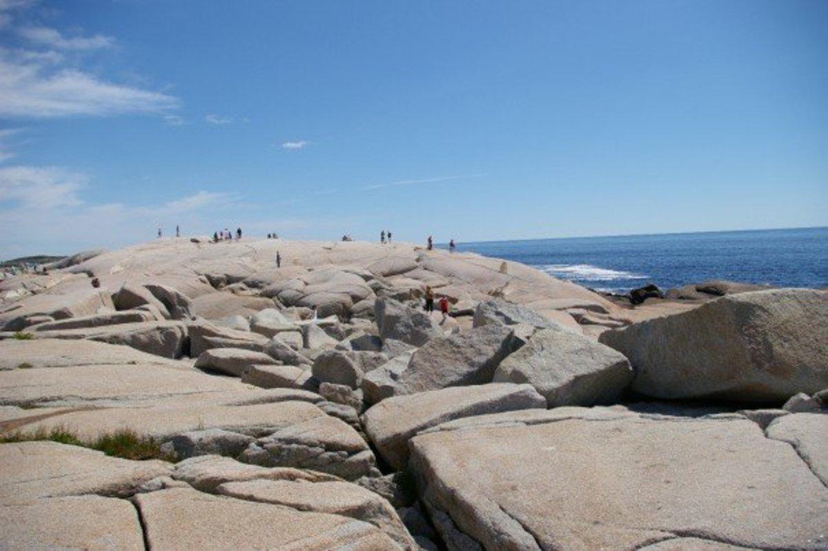 peggys-cove-nova-scotia-where-waves-and-rock-collide