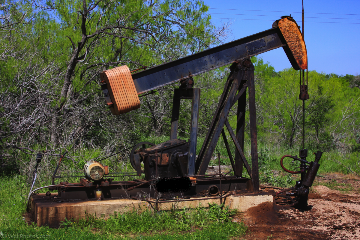 The Environmental Consequences of Orphan Oil Wells