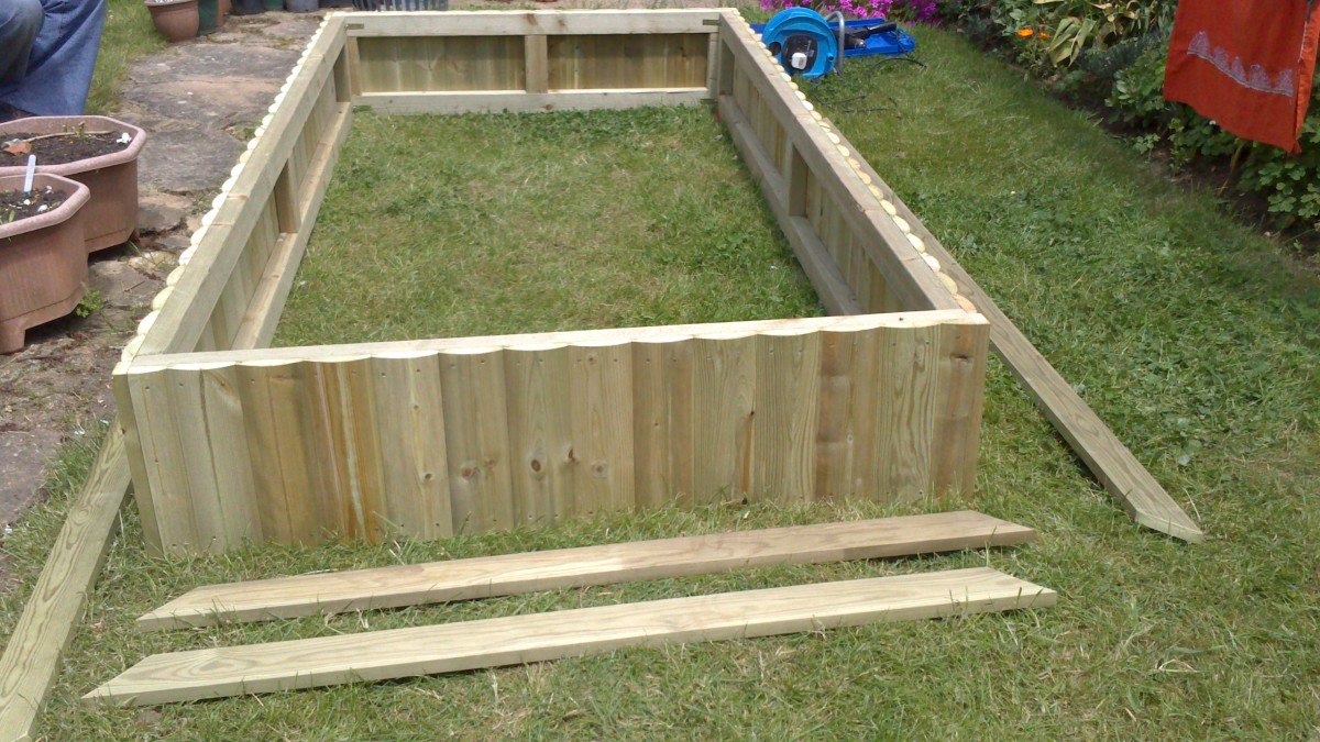 The Flat Packed Raised-Bed