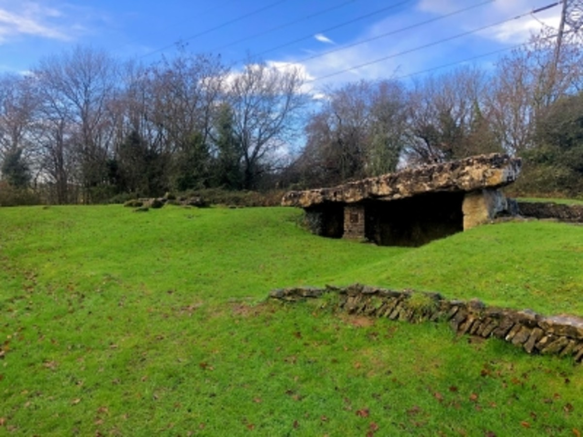 Tinkinswood Burial Chamber.