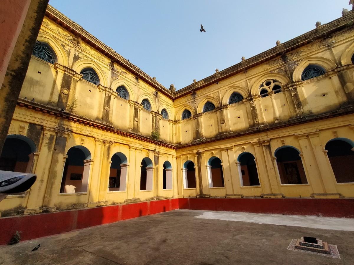 Inside Ranjan Palace, the Royal palace of Hetampur, Birbhum
