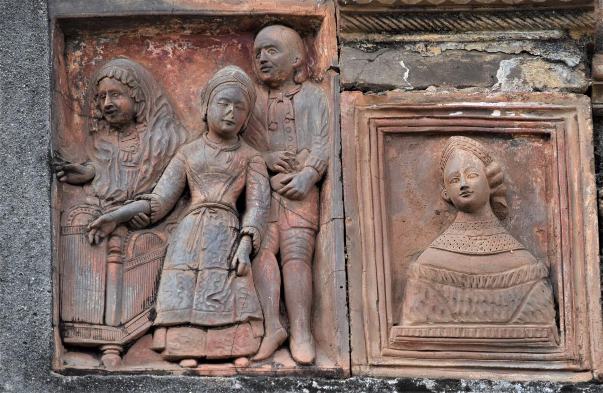 Decoration of Chandranath temple : European figures.