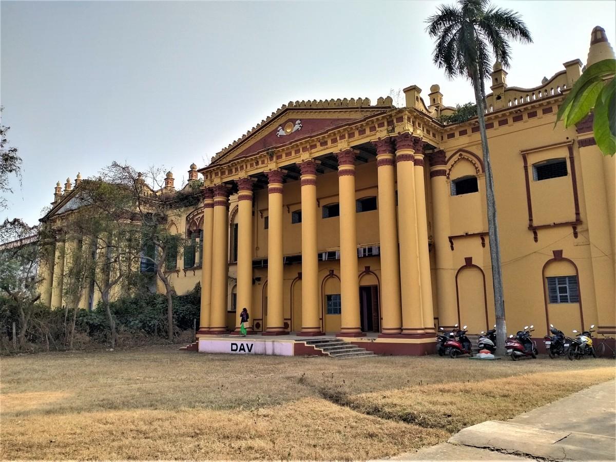 Ranjan Palace, the Royal palace of Hetampur, Birbhum