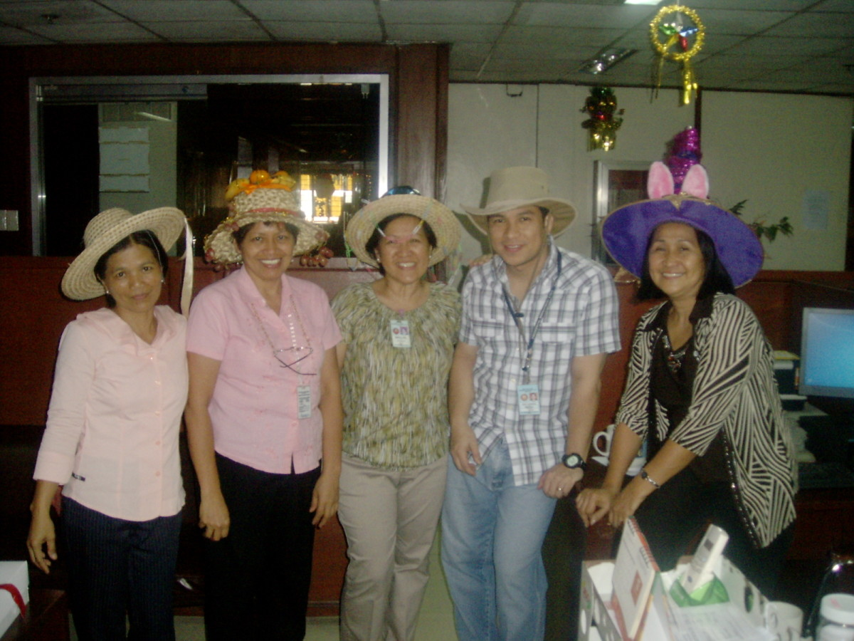 crazy-hats-see-to-many-of-them-in-a-christmas-party