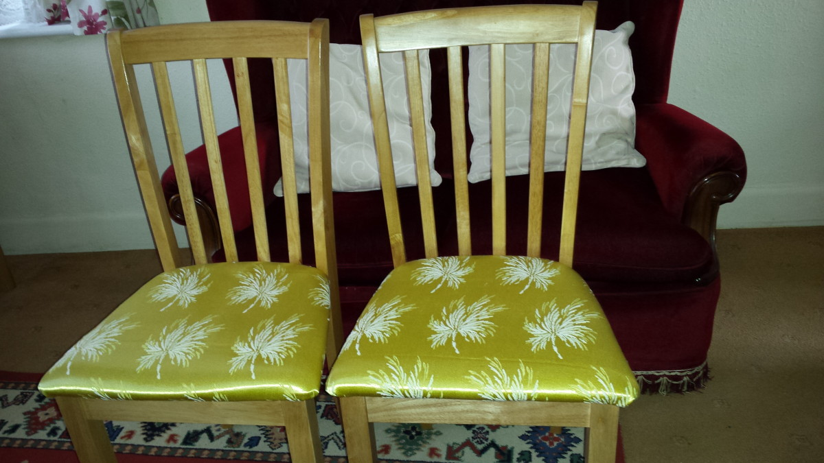 Here is the finished look. My new look dining room chairs. Not bad for a novice D.I.Y job.