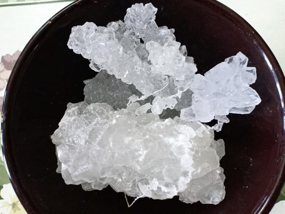 Dhage wali mishri (thread mishri or mishri with thread)