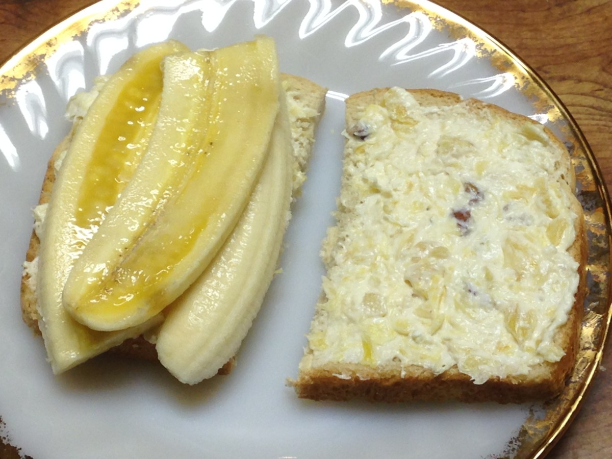 Banana sandwich with cream cheese pineapple spread