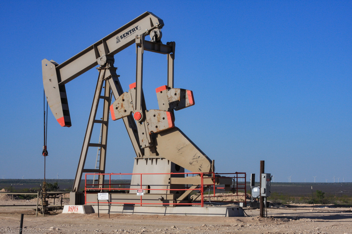 What Pumpers or Oilfield Gaugers Do. Vital Oil Production Jobs