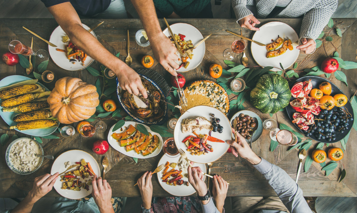 How to Enjoy a Vegetarian Thanksgiving Dinner With a Carnivore Family