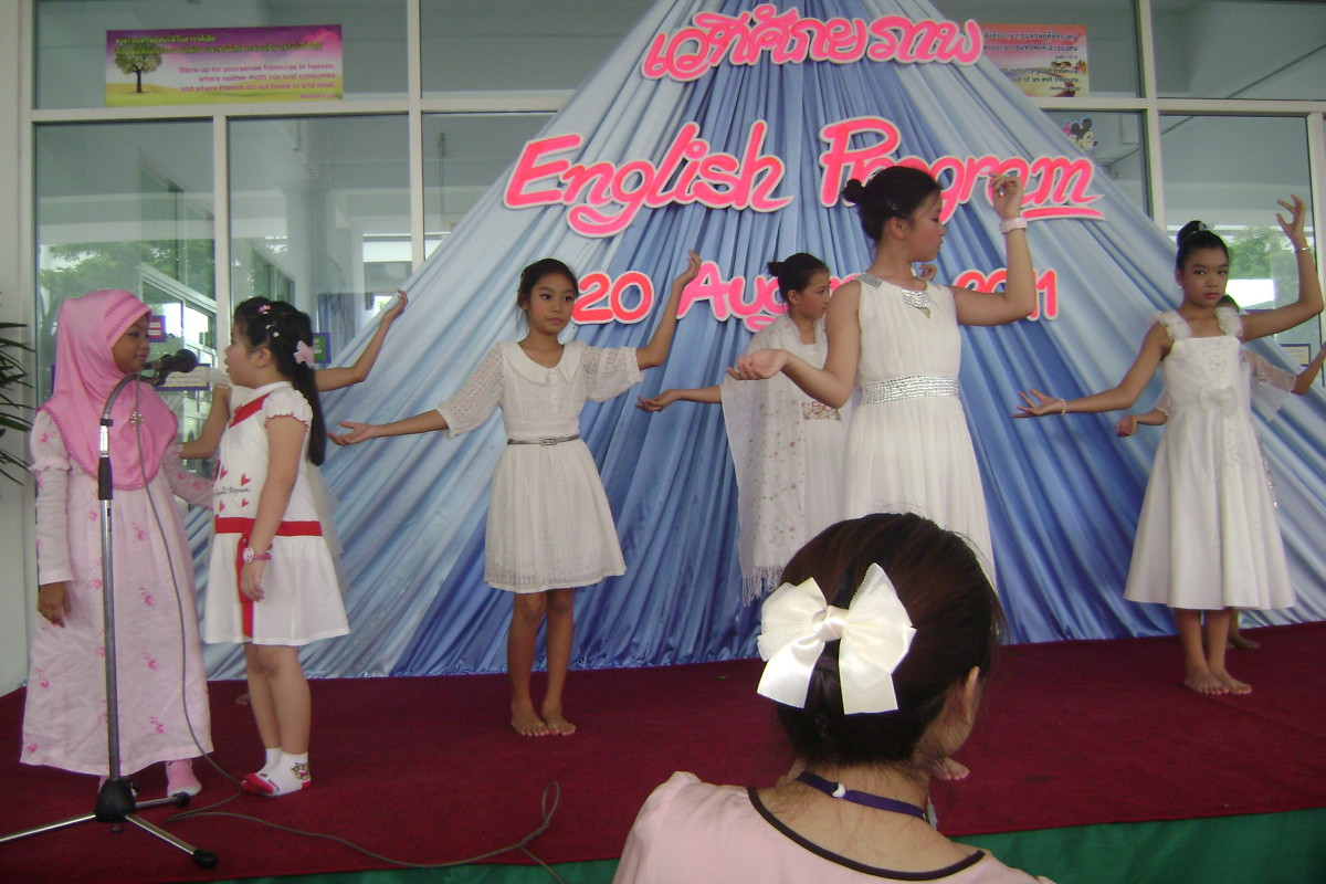 English Program Show for Parents in 2011.