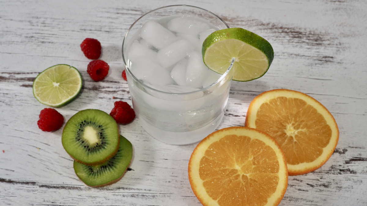 Few things hit the spot like a tasty splash of bubbly and flavored water!