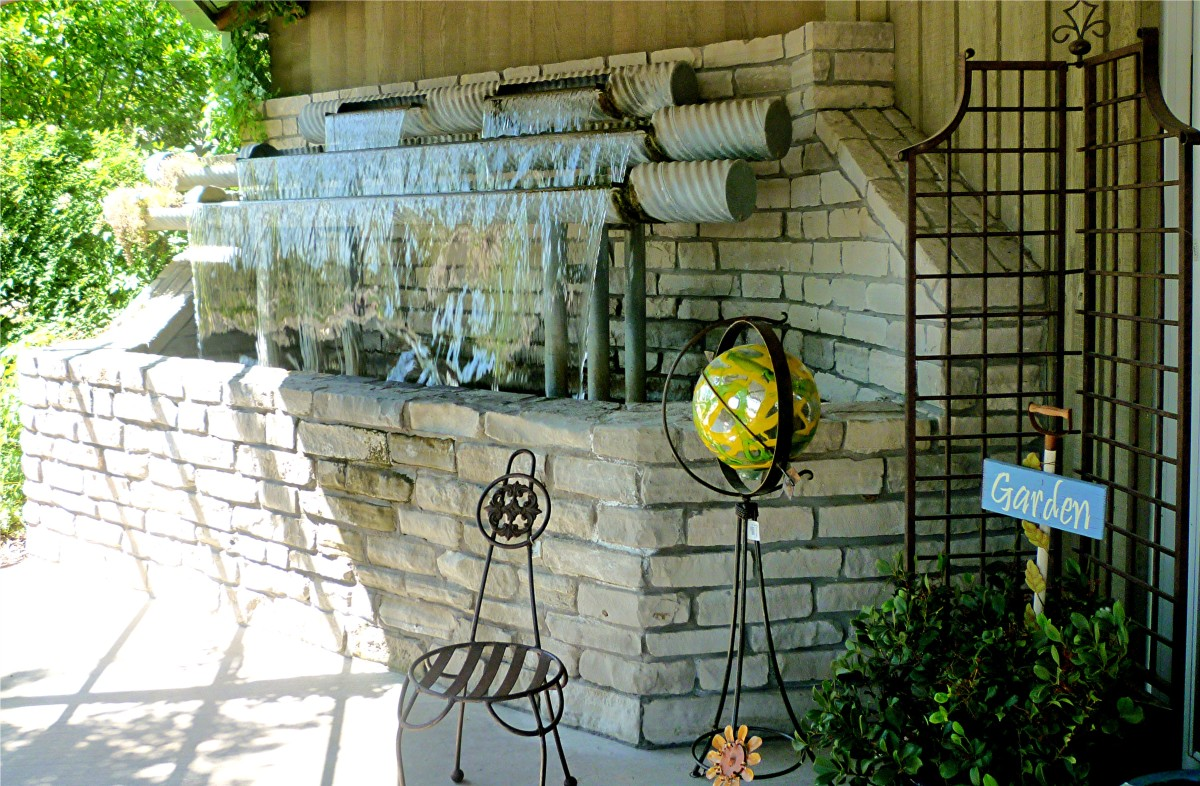 Cascading water at the entrance to the Martha's Bloomers store in Navasota, Texas
