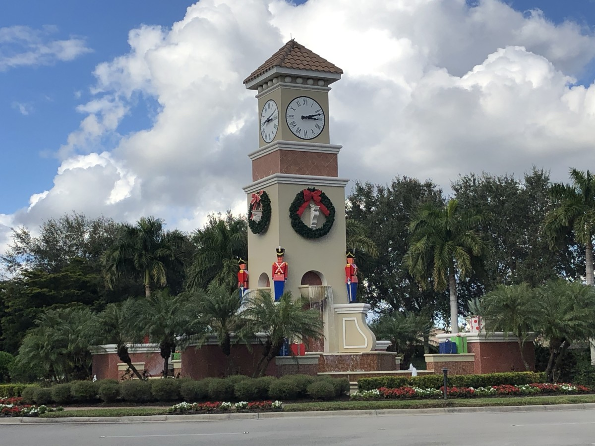 """""""Christmas Time in Florida"""" - a Pantoum Poem of Paradise Holiday Cheer"""