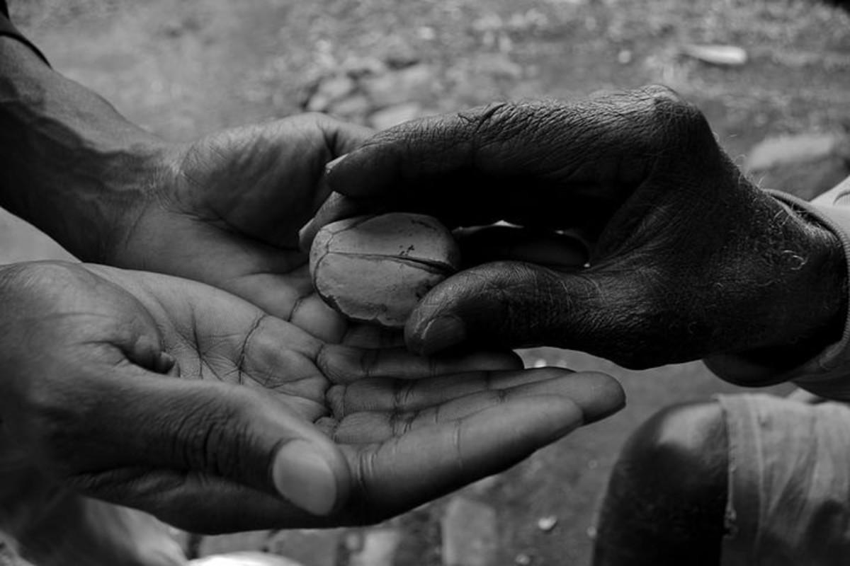 Handing over kola nut