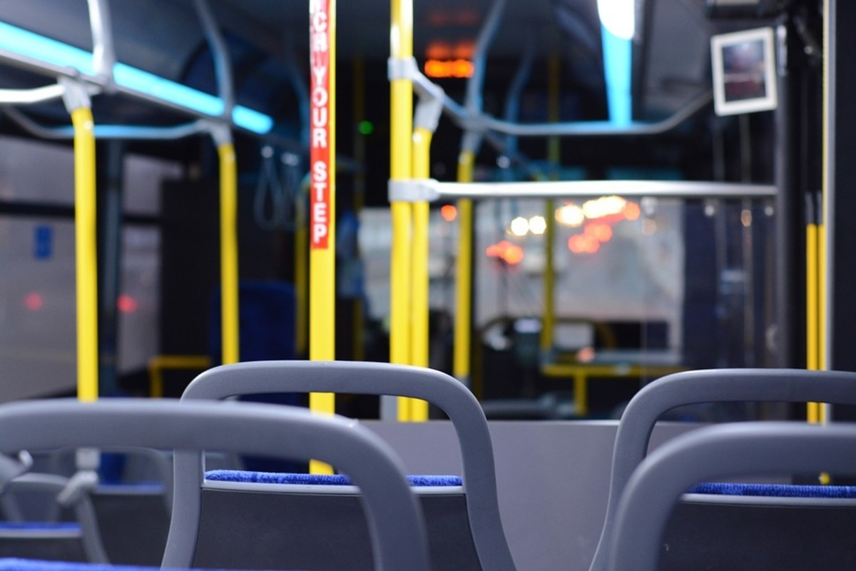 Shuttle Bus to Airport