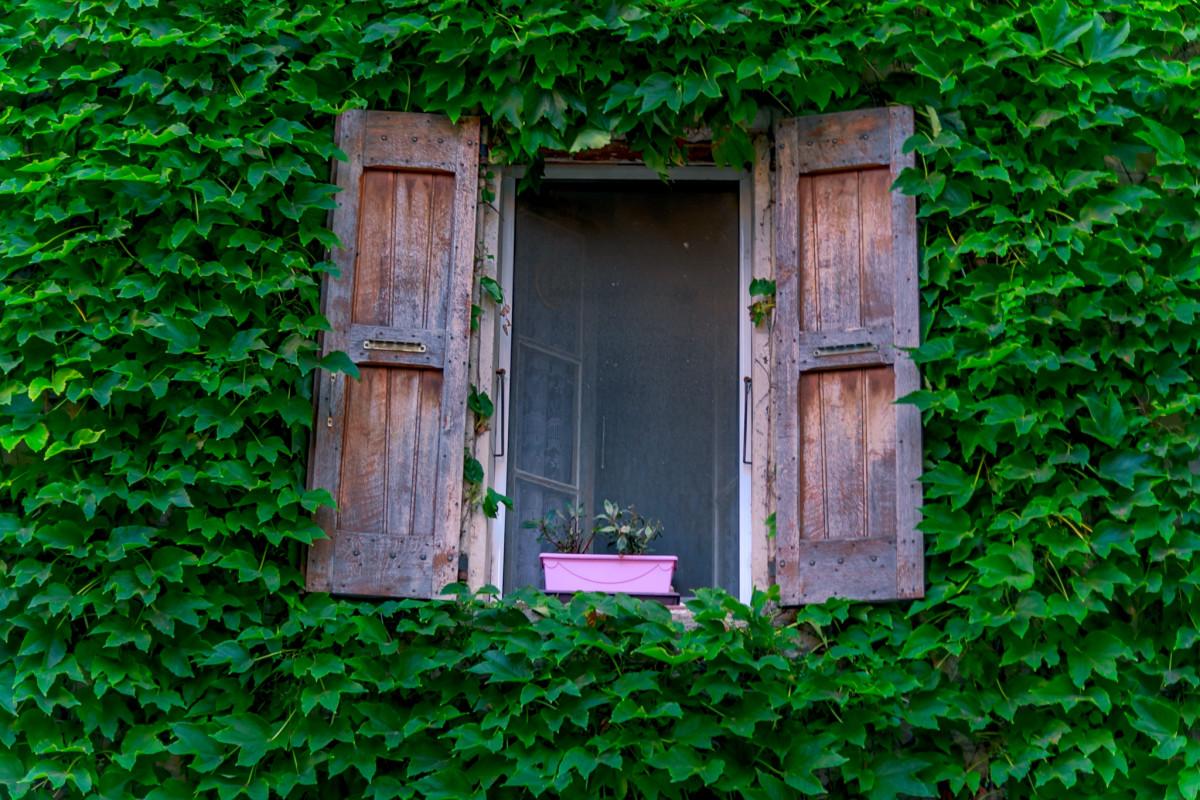 Simple Rustic Life in Lurs