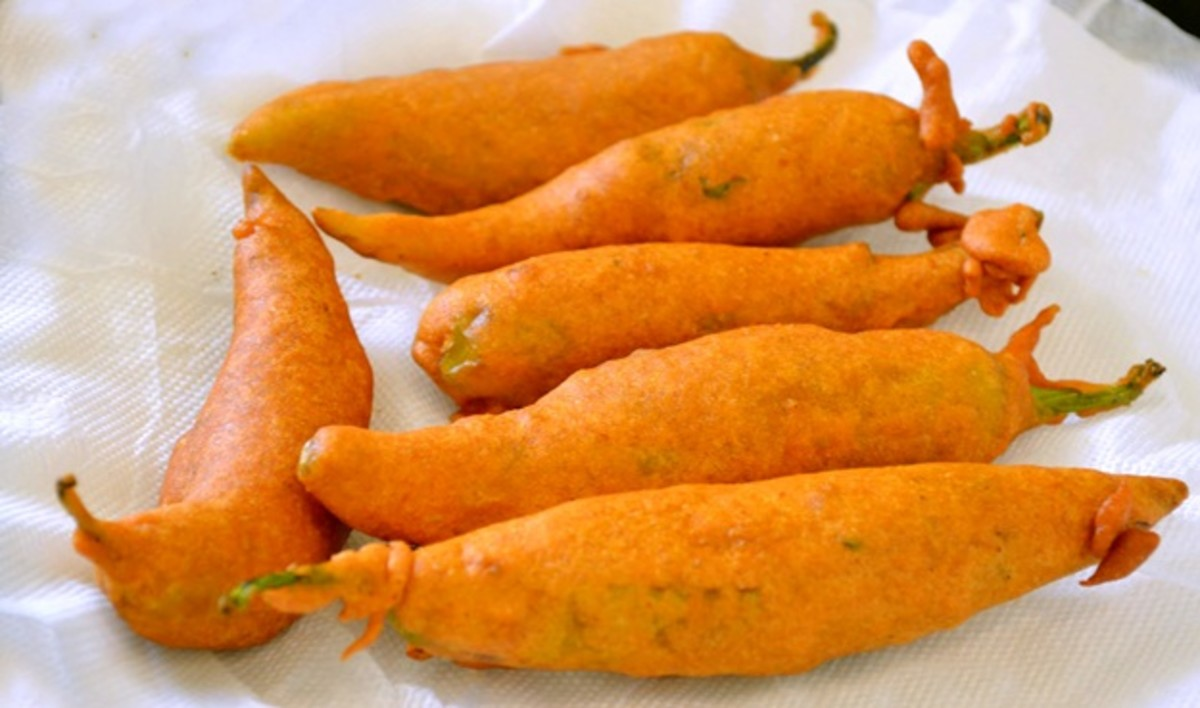 Mirchi/green chilli bajji/fritters