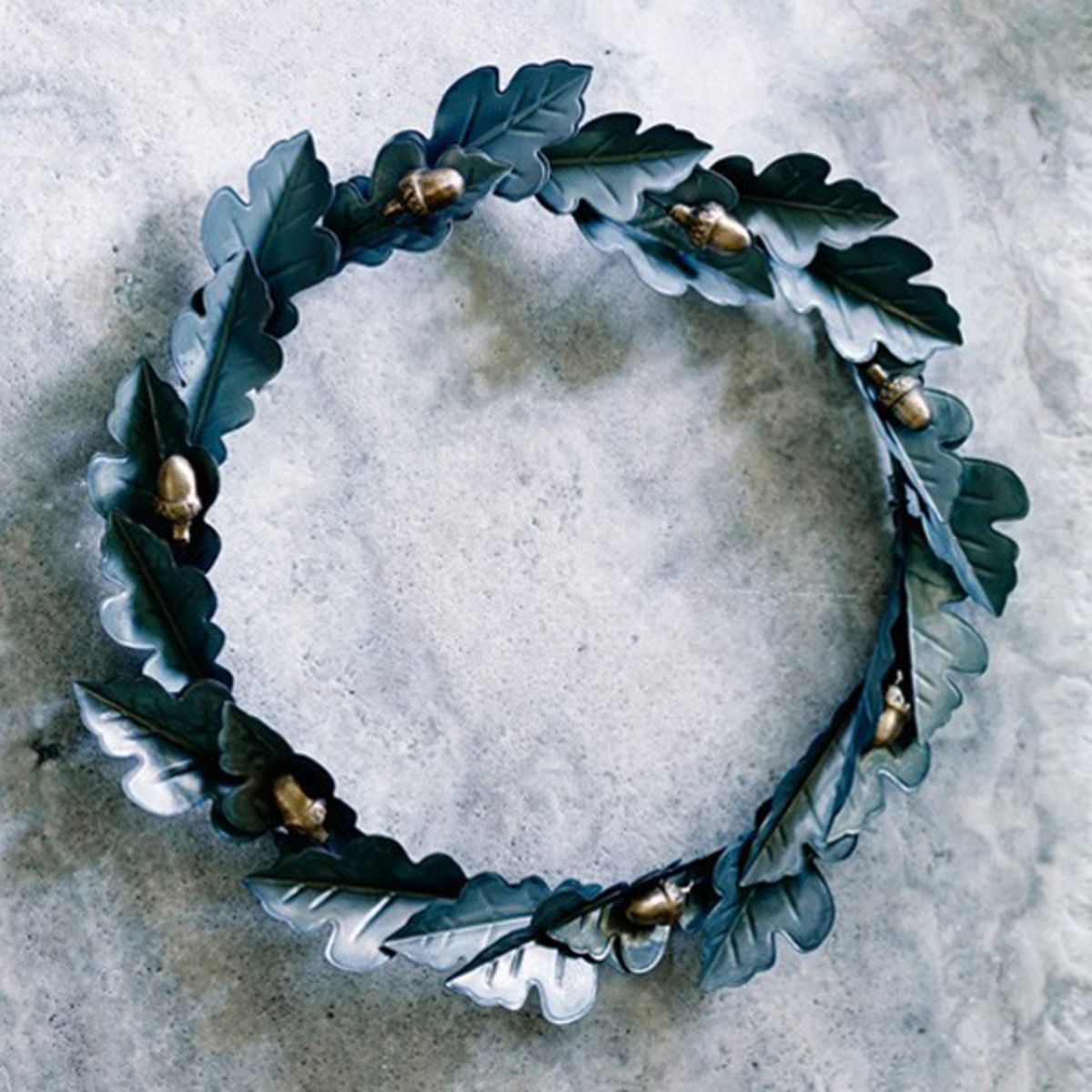 Beautiful and festive metal wreaths using unique handmade patina and gold leaf copper leaves!