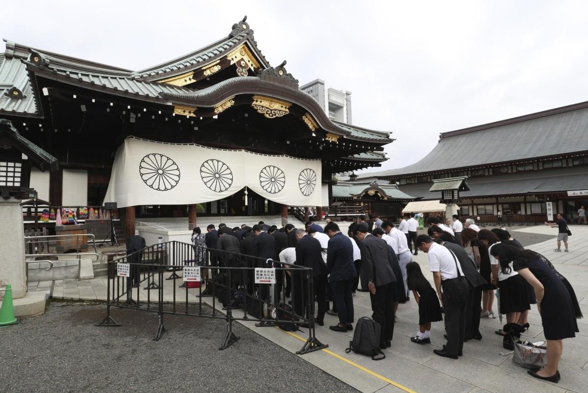 the-yasukuni-war-shrine-the-japanese-revere-their-war-dead