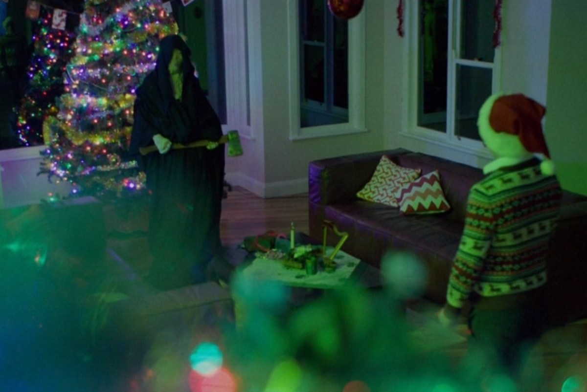 red-christmas-exploring-christmas-horror