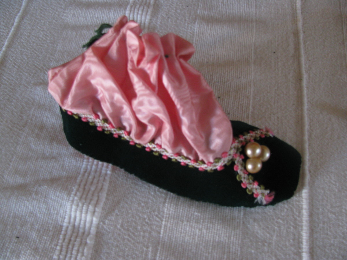 Victorian Christmas Decoration - a bon-bon bag