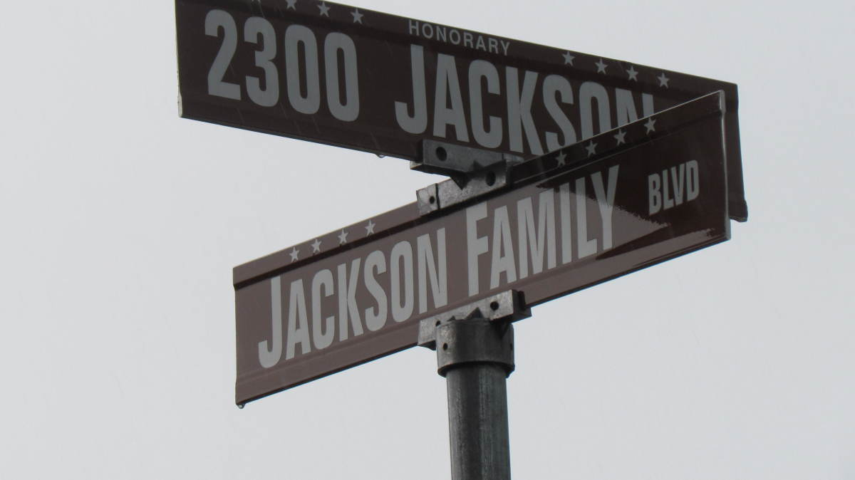 On Sunday after we attended the Kingdom Hall in Chicago, we stopped in Gary, Indiana to see the previous home of Michael Jackson's family. It is no longer recognized as such. After the documentary signs and statues were removed but memories continue.