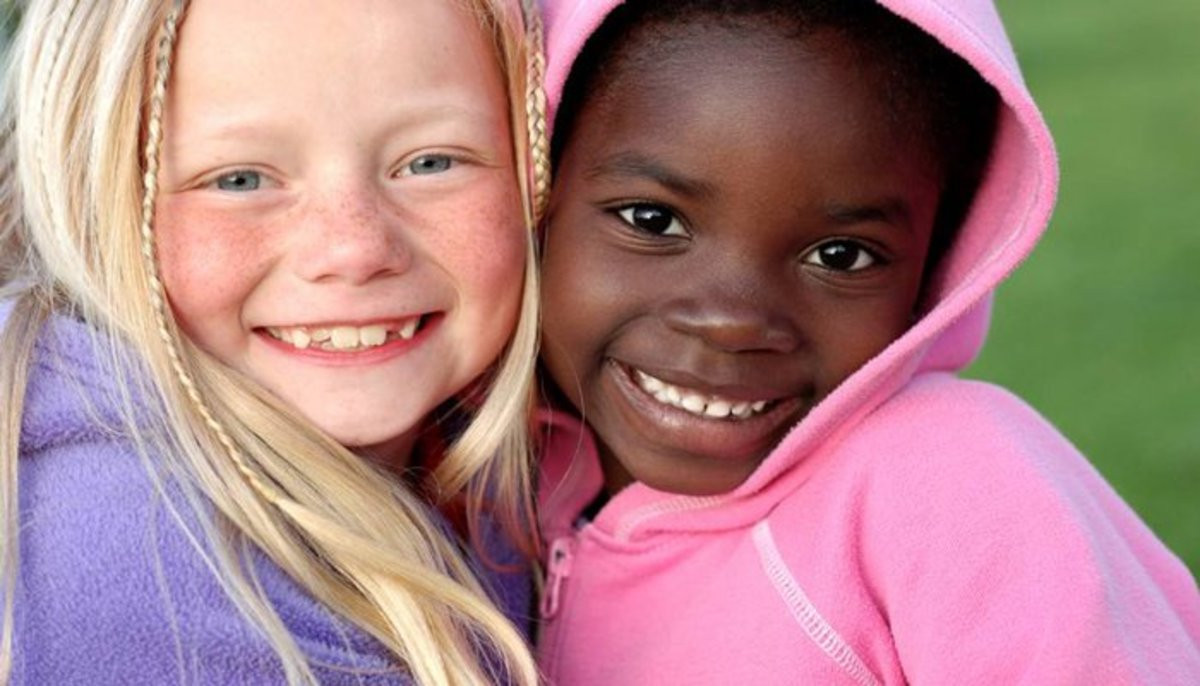 http://www.scarymommy.com/wp-content/uploads/2014/11/white-and-black-girls.jpg