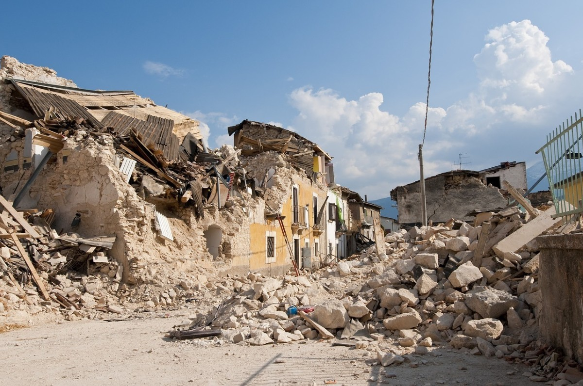Earthquake, Rubble