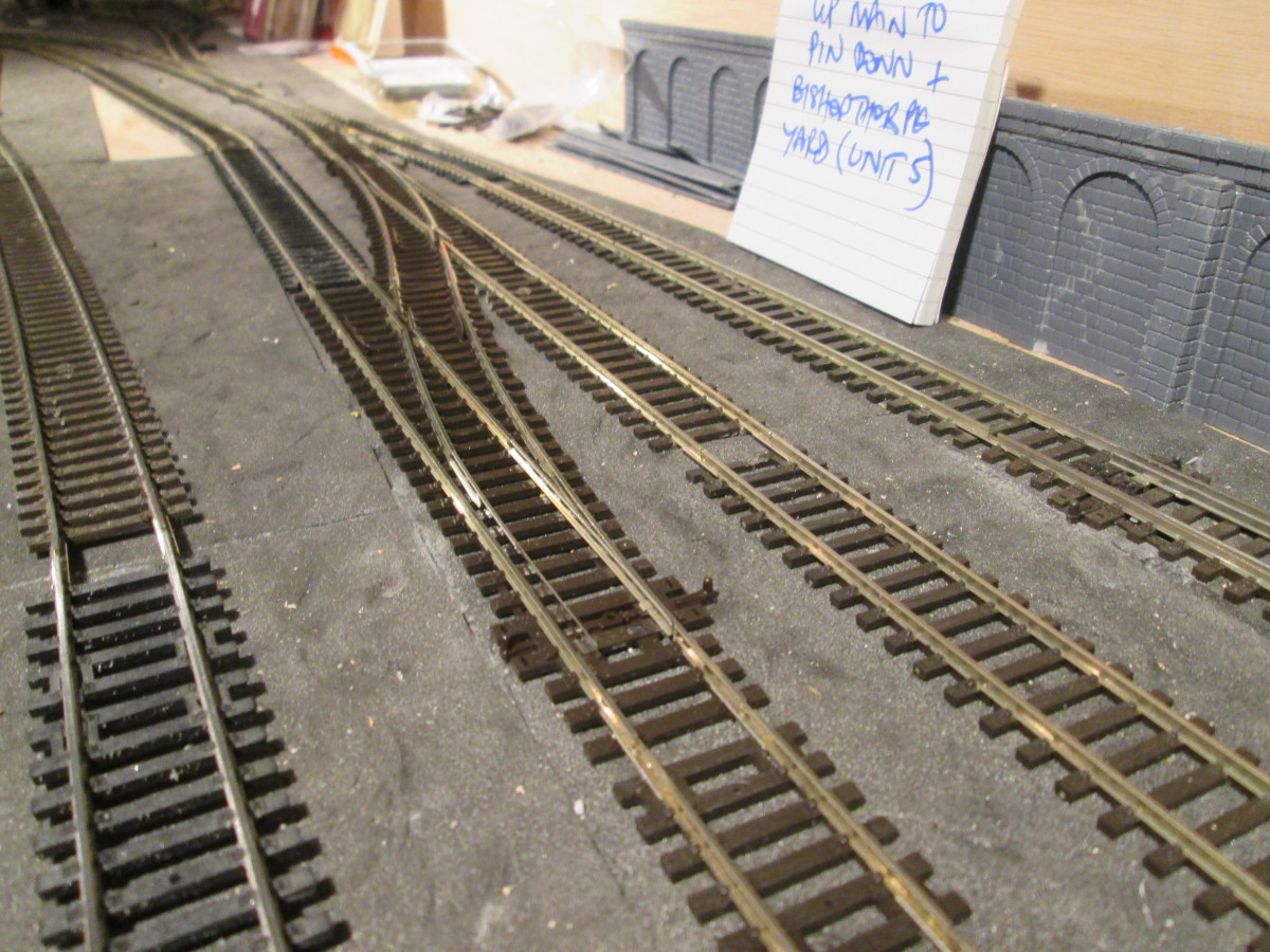 The facing right-hand points allow a pick-up goods engine to run round its short train, run in behind it and propel it into the platform road at Bishopthwaite