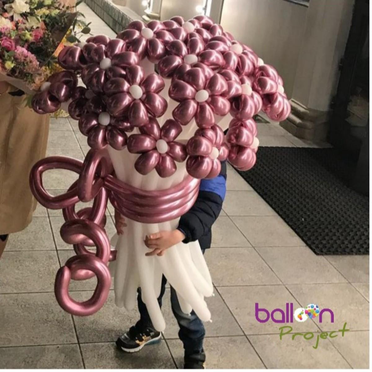 Chrome Balloons 2020 Trend
