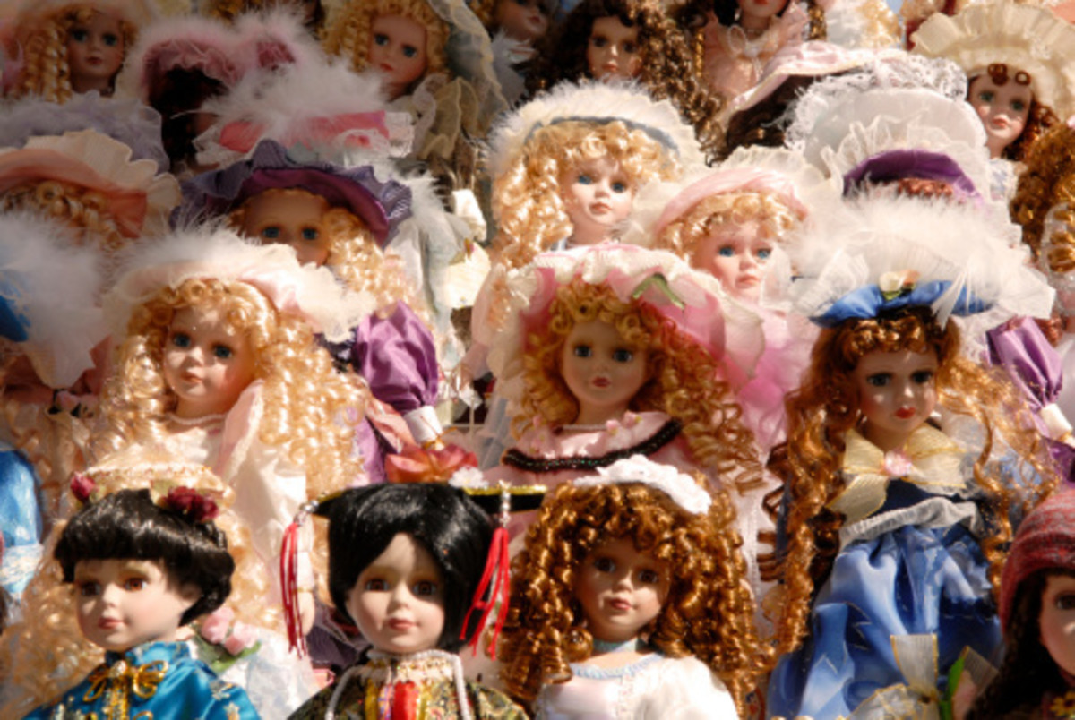 almost-human-three-real-life-stories-of-creepy-dolls