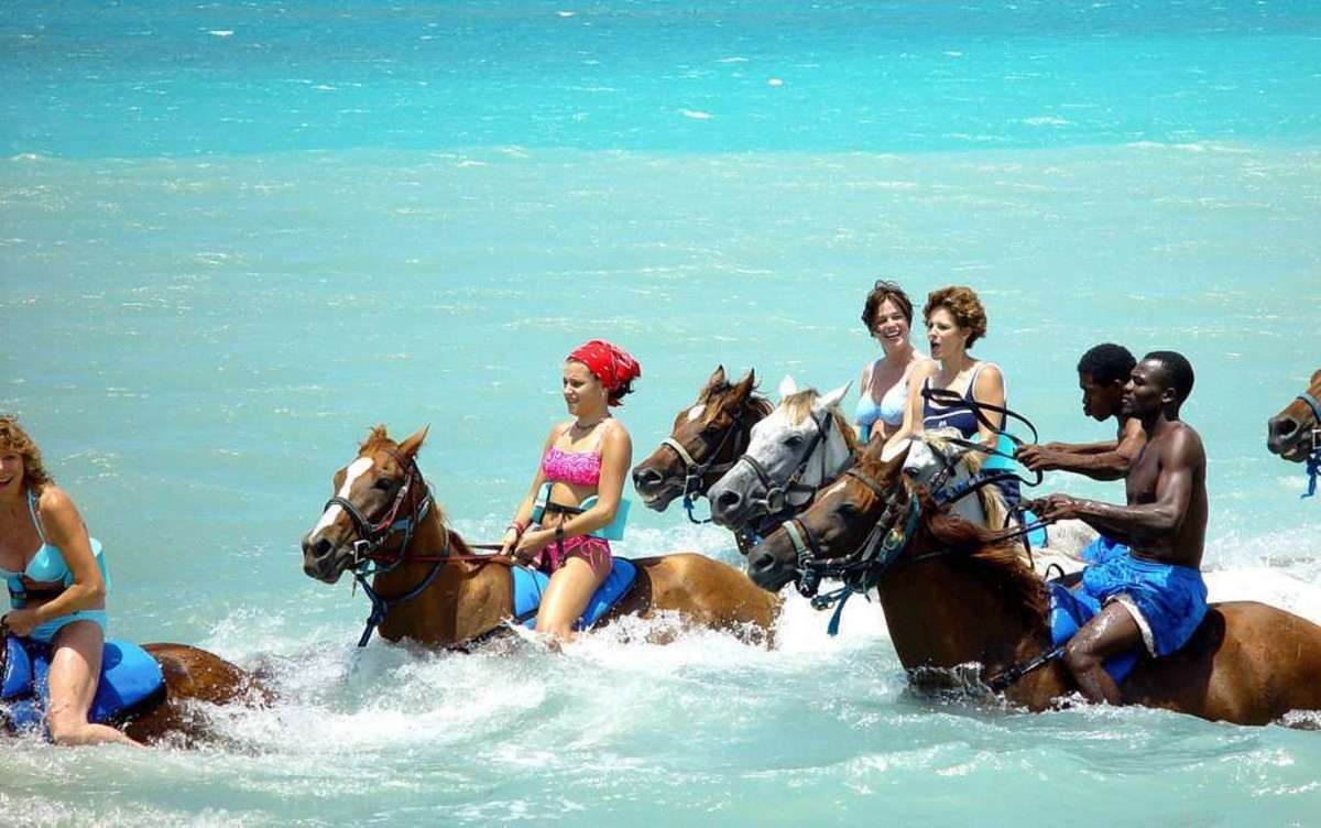 5-pros-and-cons-of-visitingliving-in-jamaica
