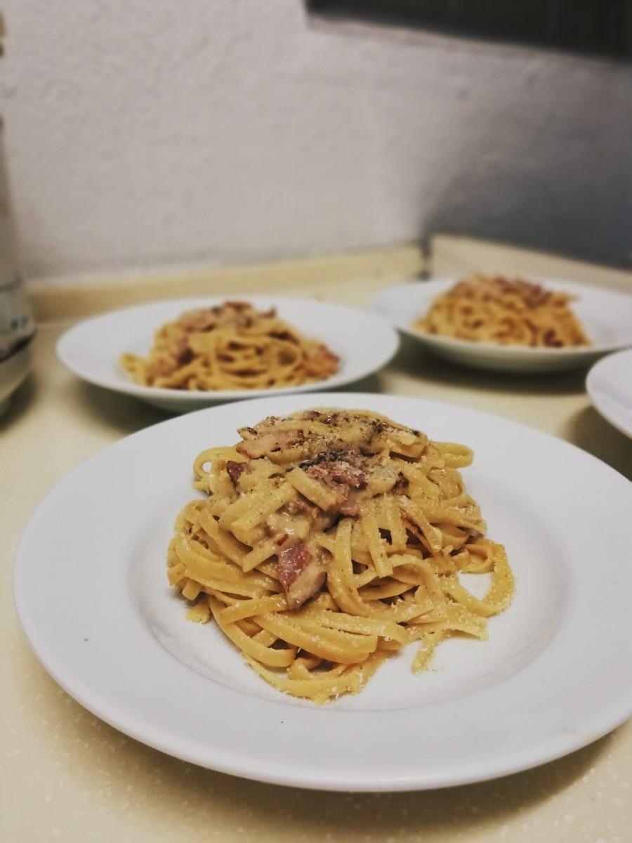Traditional Carbonara pasta