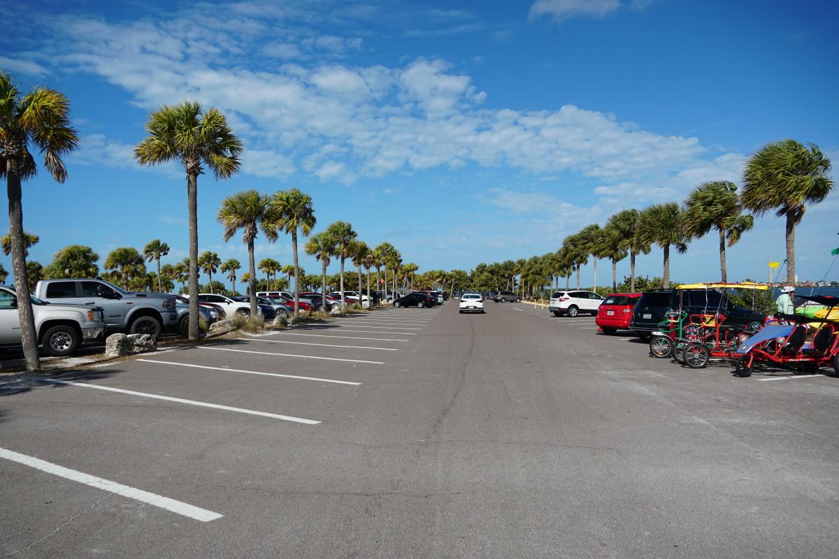 Howard Park Beach parking