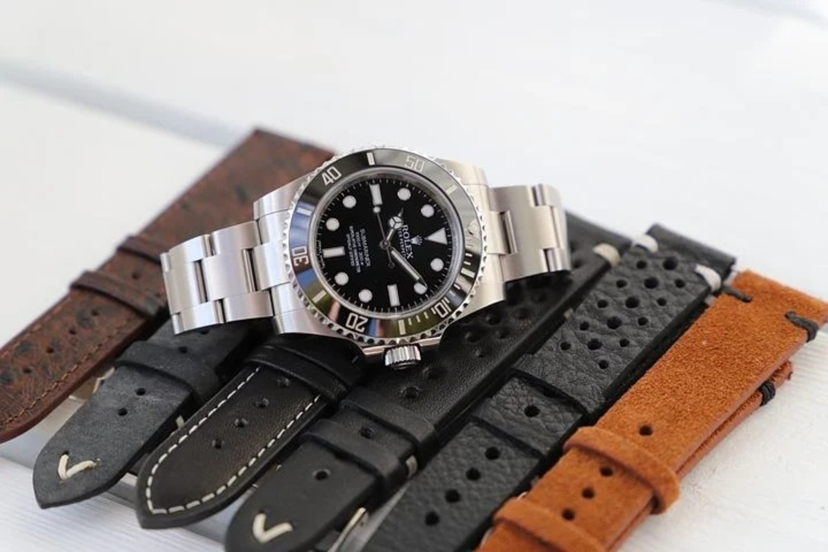 Wristwatch has become a necessary clothing accessory for gentlemen
