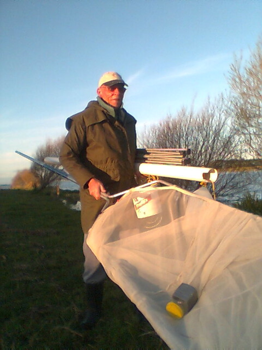 Malcolm shows the conventional Whitebaiting equipment for NZ streams. He was Not the guy chased off the Blackwater Stream and prefers standard Whitebait over those that may well be mutants in Bumble Town.